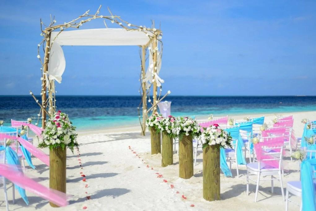 輕婚禮|戶外草地、海灘、會所、海上婚禮|Kama Delivery婚宴到會專家