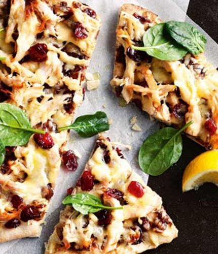 Chicken-&-sticky-onion-&-cranberry-relish-pizza