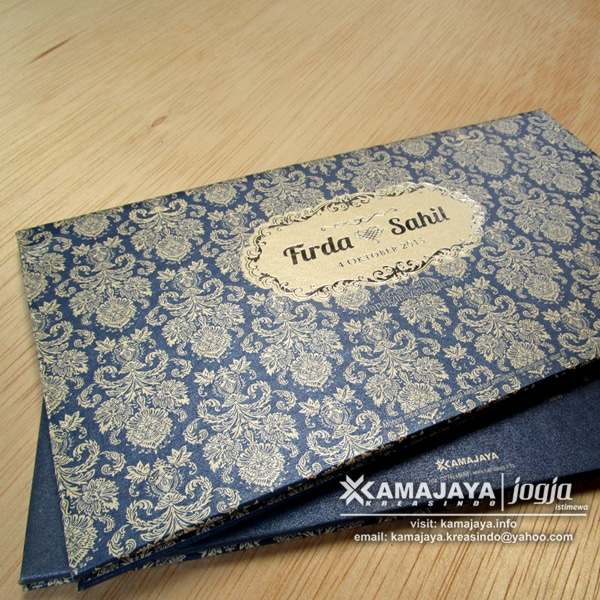 undangan hard cover biru