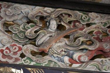 創建当時からの荘厳をそのままに伝える天女の彫刻、一つ目。
