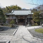 本堂。左手から竹の庭に入っていきます。