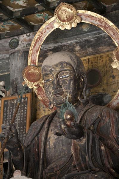 大らかな表情の地蔵菩薩様。大地を象徴する菩薩としての魅力に溢れています。鎌倉の数ある仏像の中でも無性に会いたくなる菩薩です。