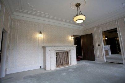 白に統一された部屋。