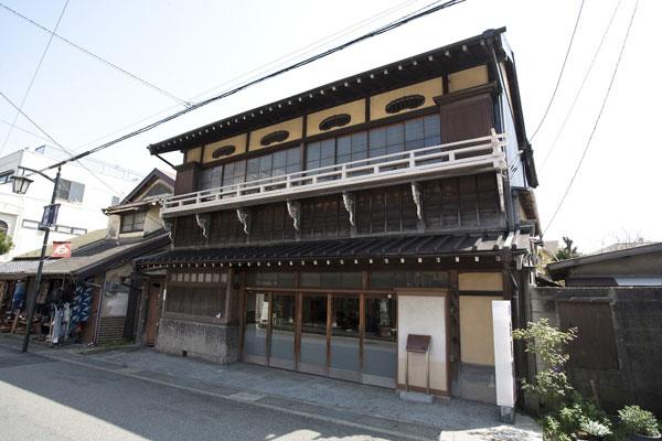 長谷寺の参道に佇む對僊閣。明治から長谷で旅館業を続けています。