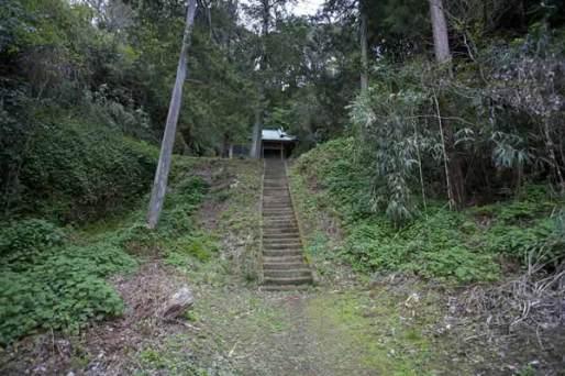 山中にある住吉城址。雰囲気があります。