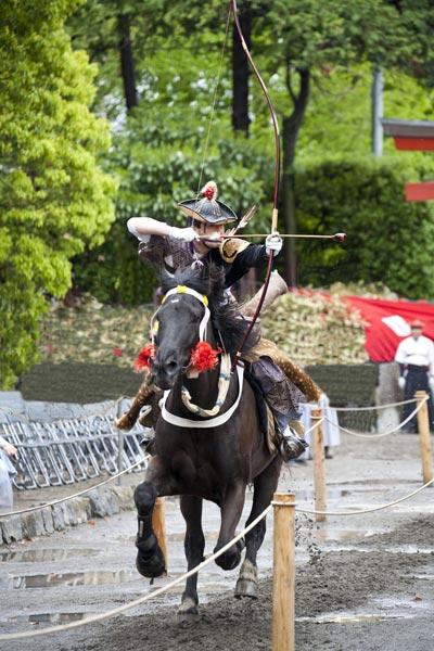 数年前に撮影した鎌倉まつりの流鏑馬。撮影協力:鎌倉市観光協会