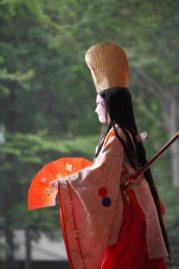 鎌倉まつり、静の舞。舞が終わると観客に挨拶があります。撮影協力:鎌倉市観光協会