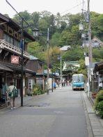 長谷寺の参道は落ち着いていて雰囲気がよいです。左手にある對僊閣が特に素晴らしい景観をつくっています。