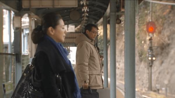 <1>江ノ電車内及び極楽寺駅周辺