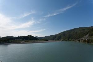 仁淀川橋を渡ります。1時30分。