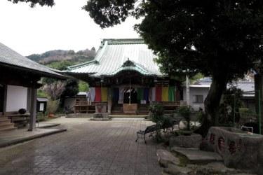 佐奈田霊社社殿。