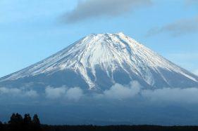 「富士の巻狩り」が行われたあたりにある有名キャンプ場「ふもとっぱら」からの富士山。