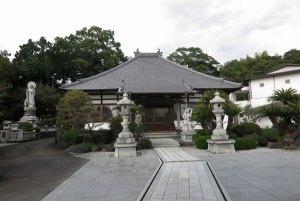 鎧ヶ淵に隣接している曹洞宗永明寺。