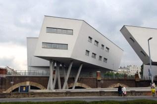AUSTRIA. VIENA. Edificios de Zaha Hadid.