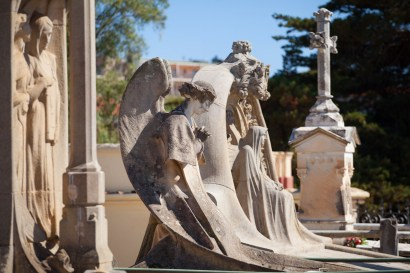 Cementerio modernista.