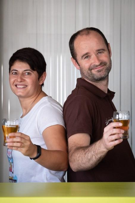 Pedro y Adora, de cervezas Tierra de Frontera.