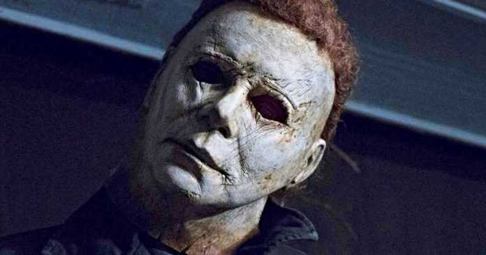 Halloween-Movie-2018-Photo-Michael-Myers-Head-Tilt