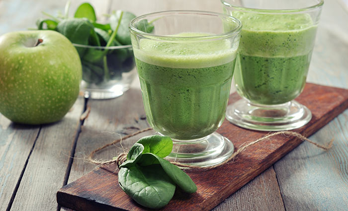 Breakfast Smoothie Recip: Apple + Spinach (Waterleaf)