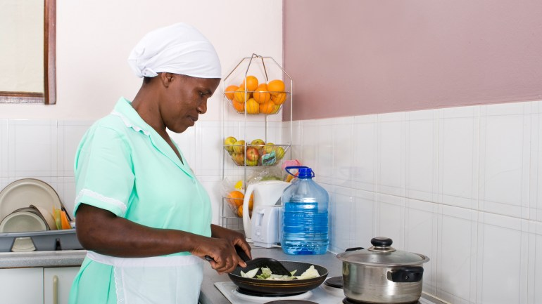 6 Indispensable Tips for Managing Your House Maid