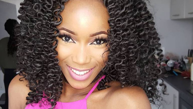 How To Get This Bouncy Curly Hair For Under Two Thousand, Five Hundred Naira!