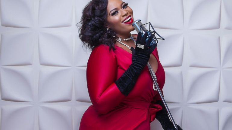 Exclusive: Immaculate Tells Us About Life, Music and 5 Of Her Favorite Style Items! #CurvyCrush!