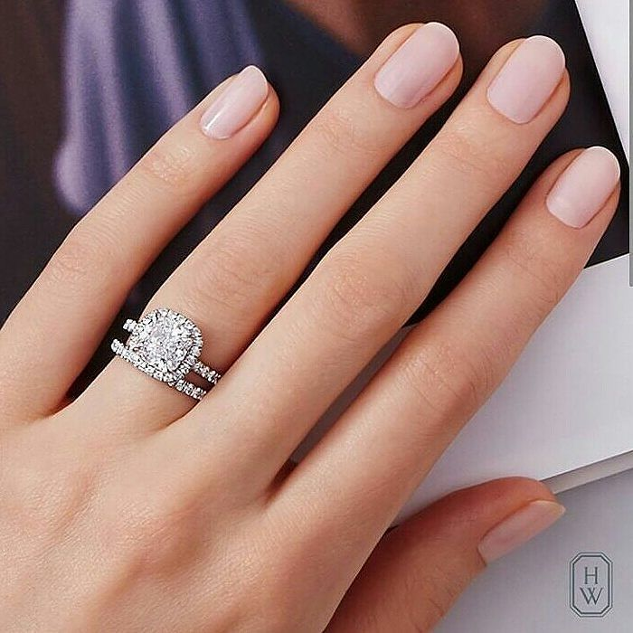 what finger does your engagement wedding ring go on kamdora