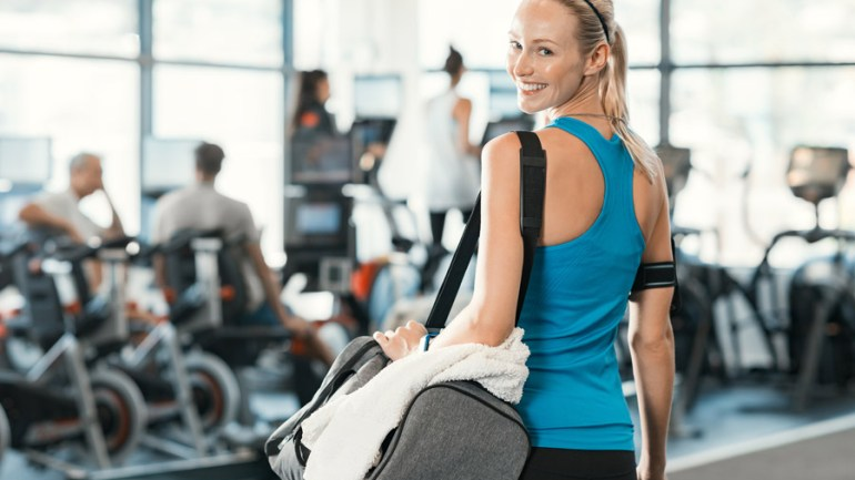10 Things You Should Have in Your Gym Bag