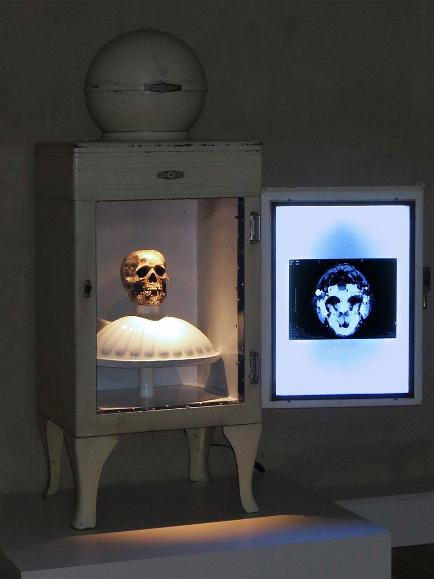 Chambre froide 2 oeuvre artiste contemporain Kamel Yahiaoui