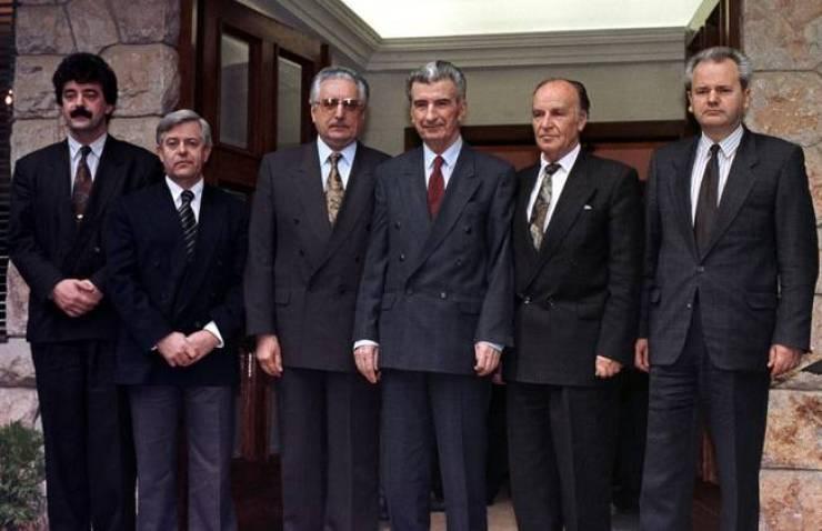 FILE PHOTO OF CROATIAN PRESIDENT FRANJO TUDJMAN WITH LEADERS OF OTHER FORMER YUGOSLAV REPUBLICS