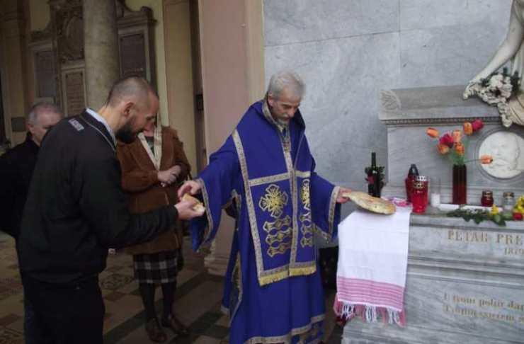 Na grobu Petra Preradovića