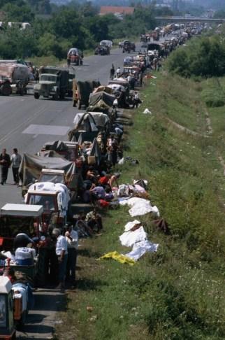 Rat-u-Hrvatskoj-Vukovar-oluja-kolona-izbeglica-izbeglice-2