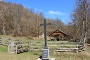 Spomen križ u Zrinu
