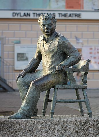 Reading: Do not go gentle… by Dylan Thomas
