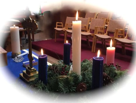 Advent candles with the Christ candle.