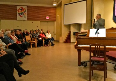 A large audience came out to enjoy jazz and evening prayer.