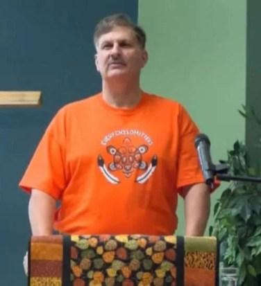 """Dirk telling Phyllis """"Orange Shirt"""" story"""