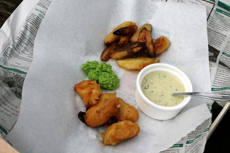 Fish and Chips med ærtemos – sauce tartare
