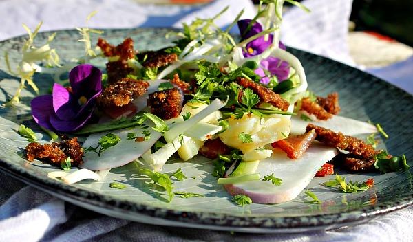 Ærtesuppe og lidt salat til fruen……