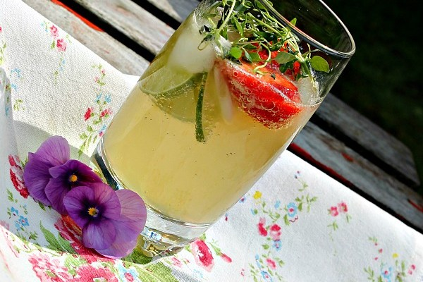 Timian lemonade