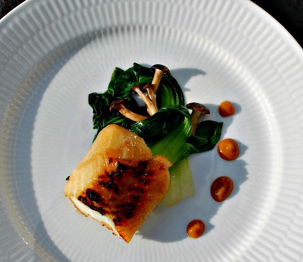 MadbloggerUdfordringen #4: Miso marineret torsk med pak choy samt bøgehatte