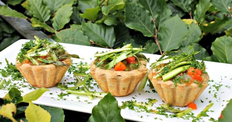 Tarteletter med sommergrønt