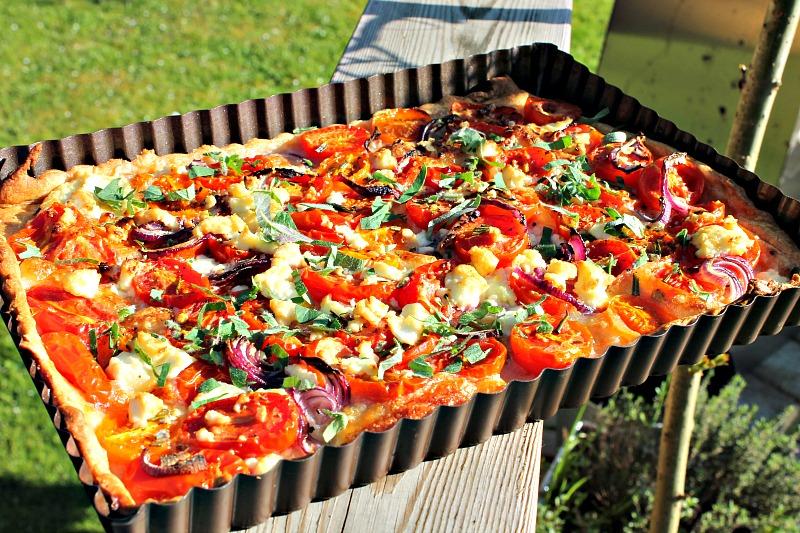 Tomattærte med feta, frisk mozzarella