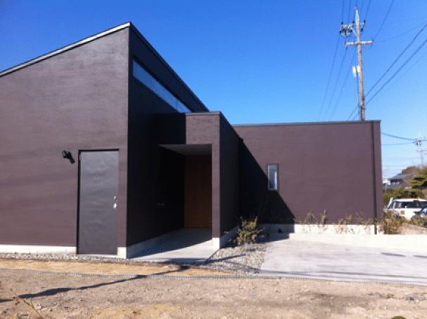 愛知県稲沢市 屋根:立平葺(ハゼ式) 材料:カラーガルバリウム鋼板