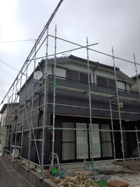 M邸リフォーム工事(外壁)(愛知県江南市)  屋根:既存のまま  外壁:角波 (8山) 材料:カラーガルバリウム鋼板(ブラック)