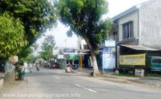 fasilitas atm di kampung inggris