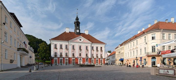 Raekoja plats, pusat Kota Tartu, Estonia yang saya lewati setiap pagi menuju kampus.
