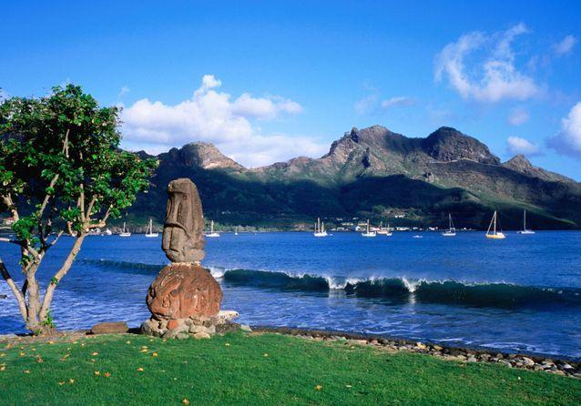 Une-statue-tiki-sur-l-ile-Hiva-Oa