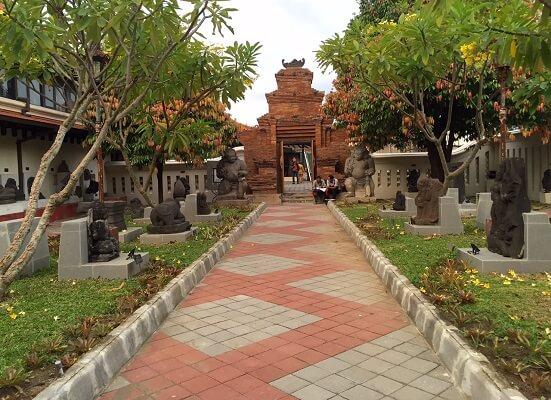 Museum Sonobudoyo Tempat Menyimpan Koleksi Dari Berbagai Wilayah