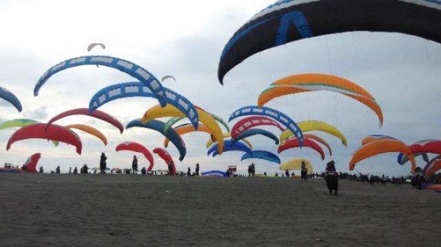 Pantai Depok Akan Diwarnai Dengan Ratusan Layang-Layang Berbagai Motif dan Jenis