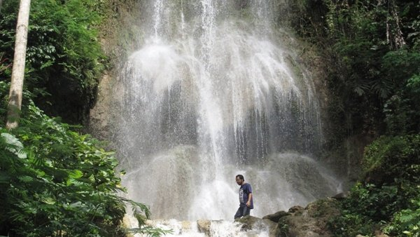 air terjun setawing